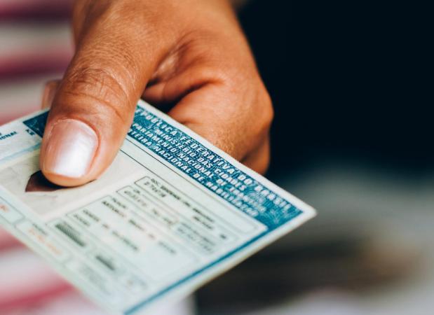 Indenização do seguro pode ser garantida mesmo se CNH estiver vencida